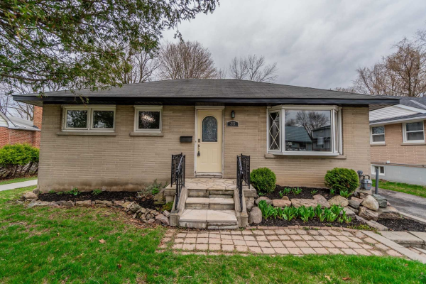35 Forest Rd, Ajax
