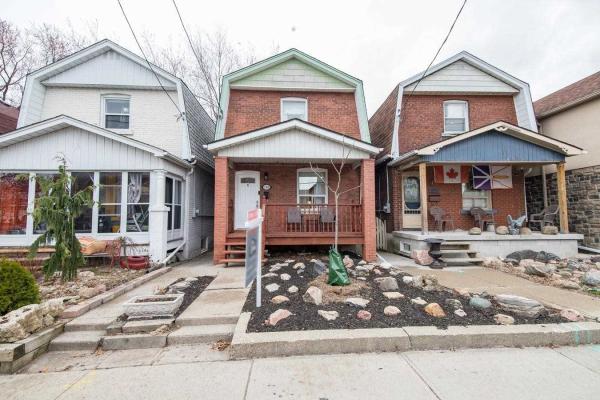 1300 Woodbine Ave, Toronto