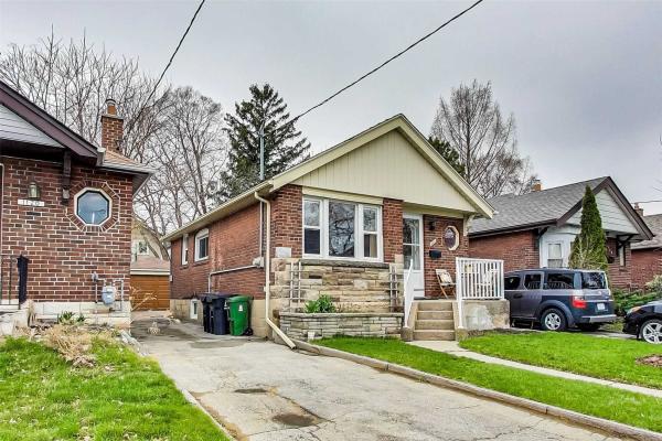 1122 Greenwood Ave, Toronto