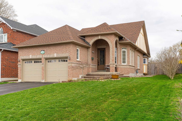 1736 Spruce Hill Rd, Pickering