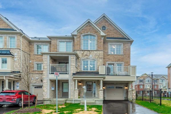 2489 Fall Harvest Cres, Pickering