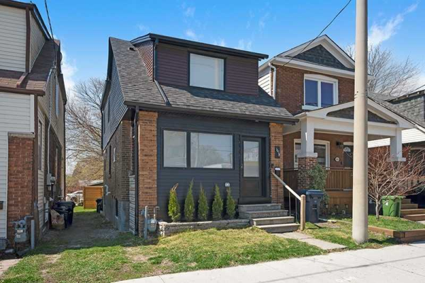 1158 Woodbine Ave, Toronto