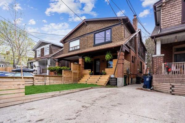 481 Woodbine Ave, Toronto