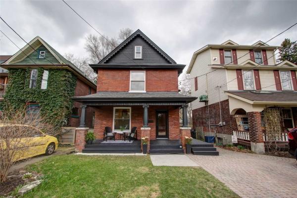 67 Lyall Ave, Toronto