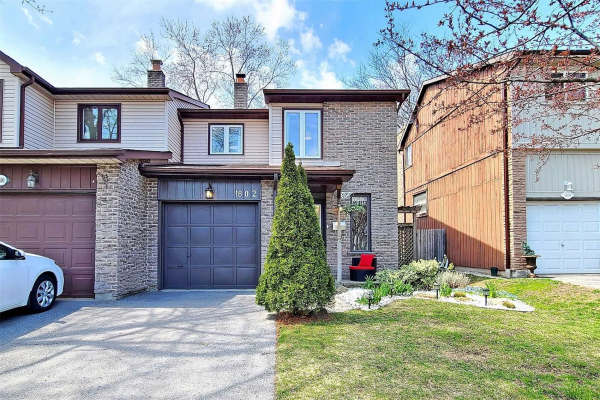 1802 Walnut Lane, Pickering