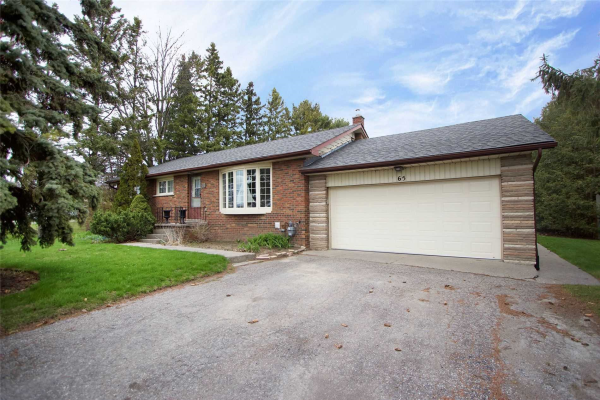 65 Old Lakeridge Rd, Whitby