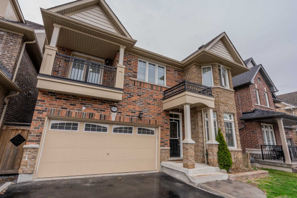 68 Rumbellow Cres, Ajax