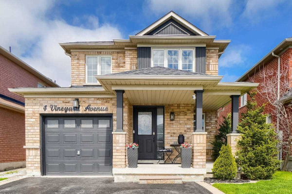 4 Vineyard Ave, Whitby