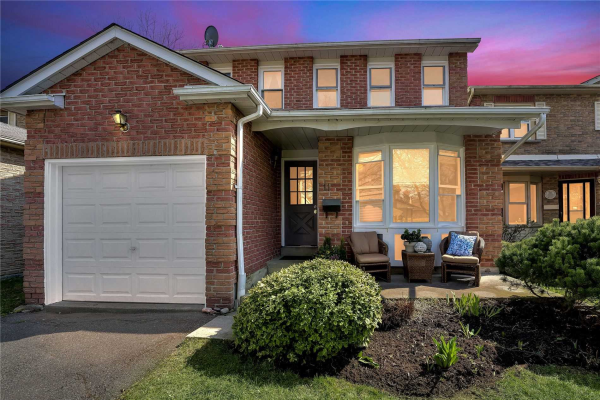 11 Rosewood Crt, Whitby