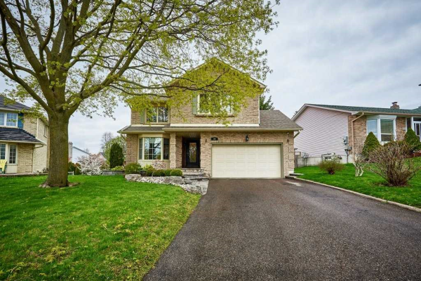 20 Hawley Cres, Whitby
