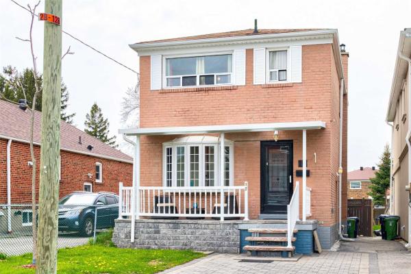 12 North Woodrow Blvd, Toronto