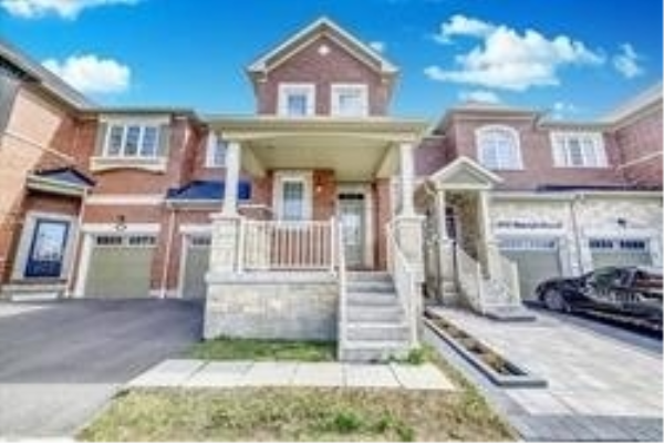 2446 Moonlight Cres