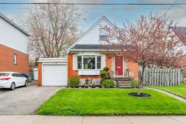 105 Bexhill Ave, Toronto