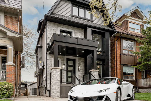 36 Lockwood Rd, Toronto