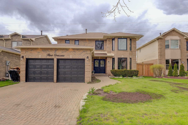 8 Flint Cres, Whitby