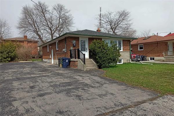 246 Lawson Rd, Toronto