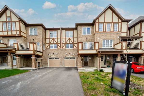 1039 Reflection Pl, Pickering