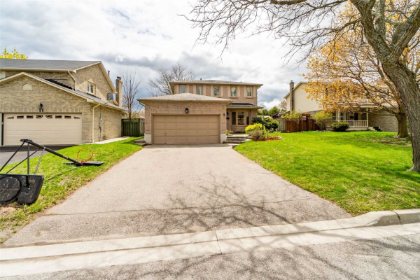 9 Belmont Crt, Whitby
