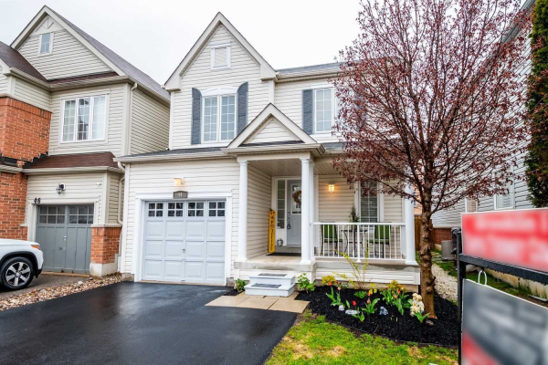44 Teardrop Cres, Whitby