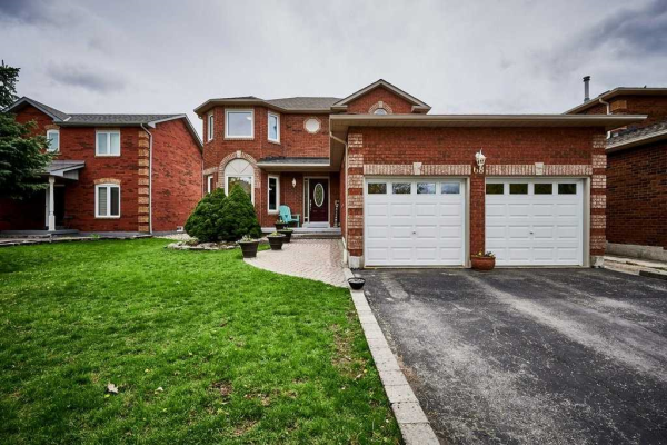 68 Irwin Dr, Whitby