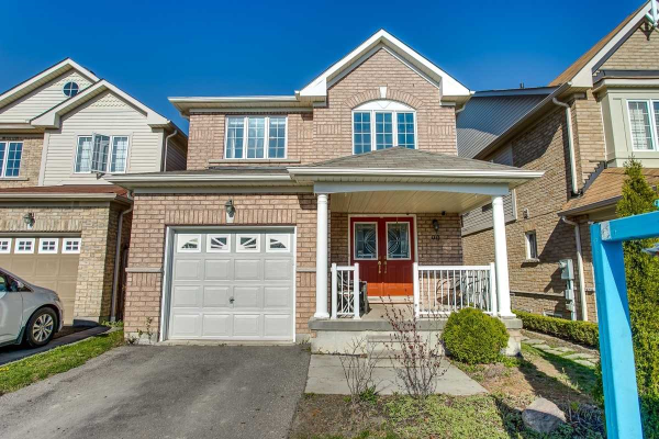 90 Putting Edge Dr, Whitby
