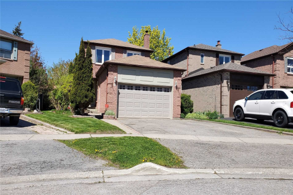 35 Brocklesby Cres, Ajax