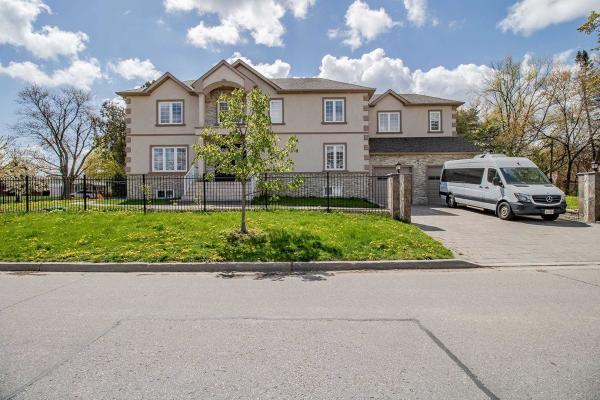 33 Bellbrook Rd, Toronto