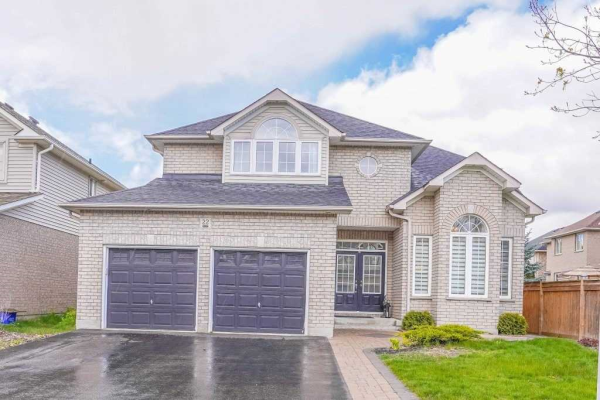 22 Pebblebrook Cres, Whitby
