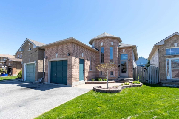 13 Willey Dr, Clarington