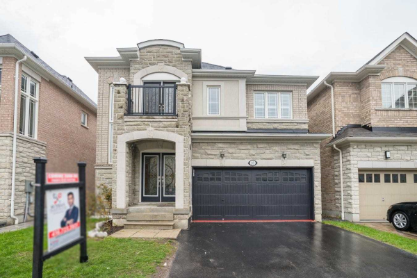 23 Cater Ave, Ajax
