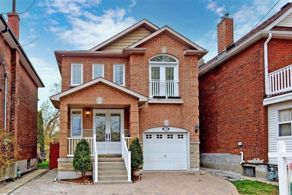 120 Barrington Ave, Toronto