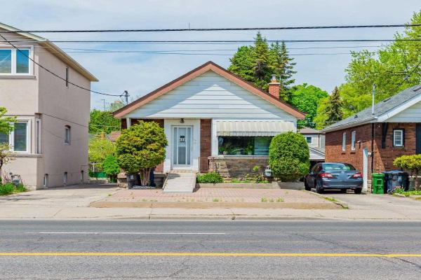422 Oconnor Dr, Toronto