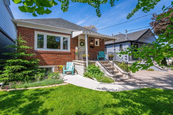 12 Bracebridge Ave, Toronto