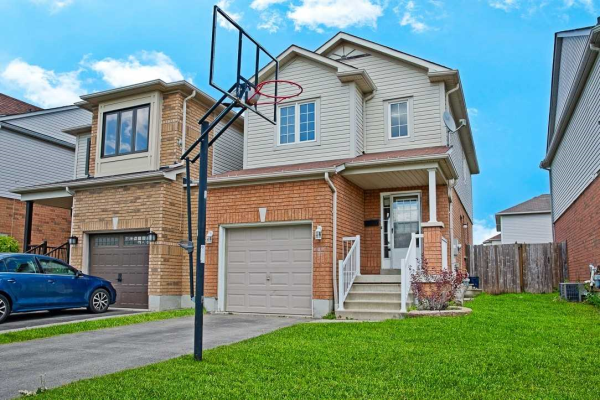 34 Catkins Cres, Whitby