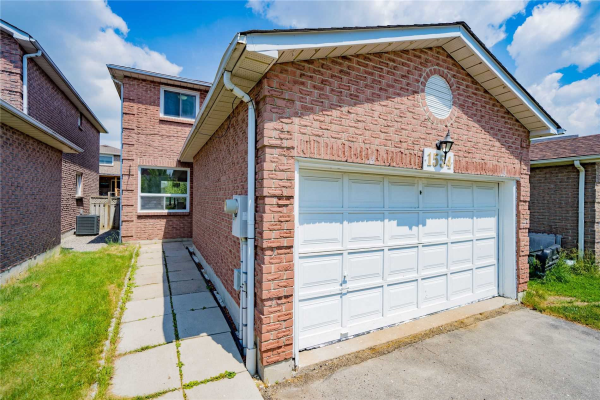 1554 Beechlawn Dr, Pickering