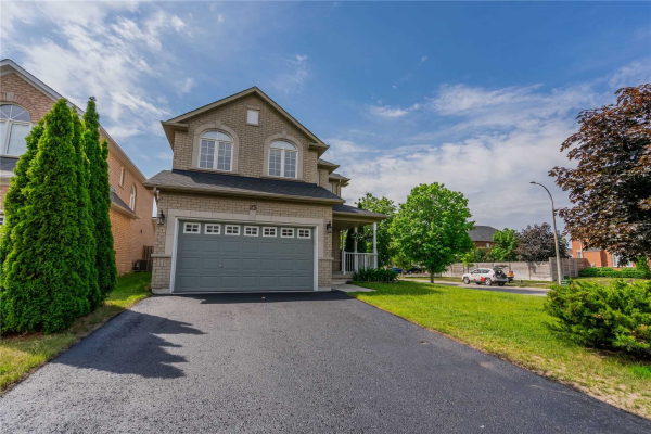 25 Lady May Dr, Whitby