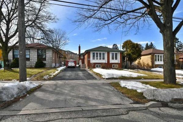 980 Midland Ave, Toronto