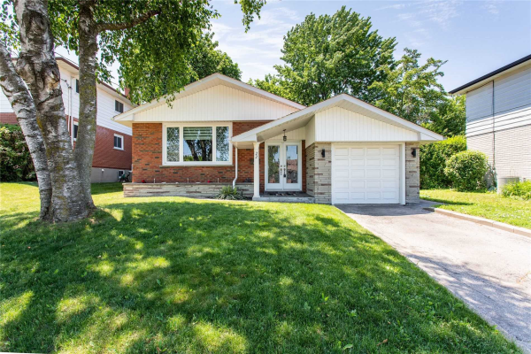 22 Woolwick Dr