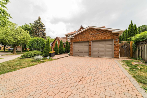 46 Butterfield Cres, Whitby