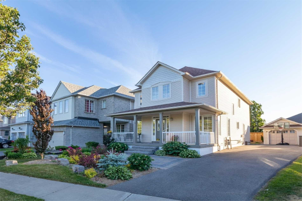 12 Divine Dr, Whitby