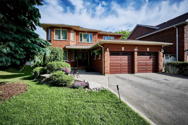 20 Goodwood Dr, Whitby