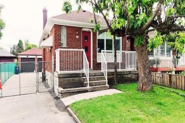 743 Midland Ave, Toronto