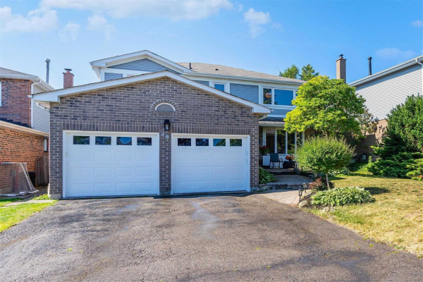 49 Lumsden Cres, Whitby