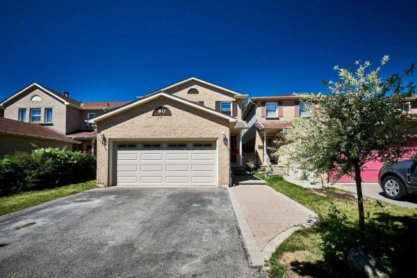 90 Rice Dr, Whitby