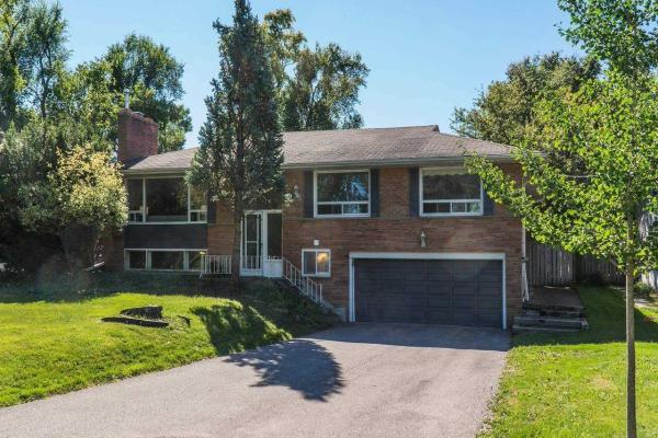 166 Meadowvale Rd, Toronto
