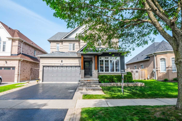 47 Helston Cres, Whitby