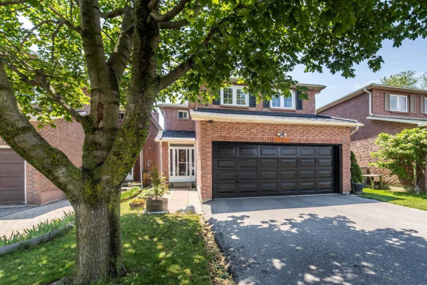 1549 Beechlawn Dr, Pickering