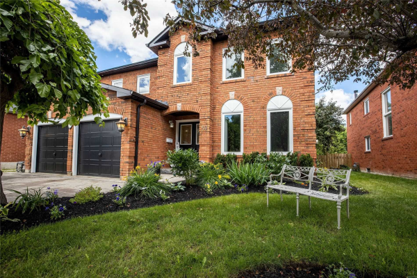 50 Watersdown Cres, Whitby