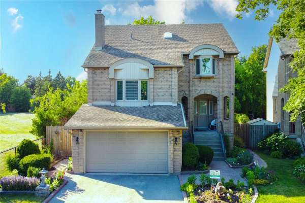 42 Rosewood Crt, Whitby
