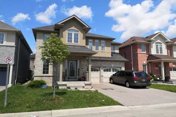 18 Mosley Ave, Ajax